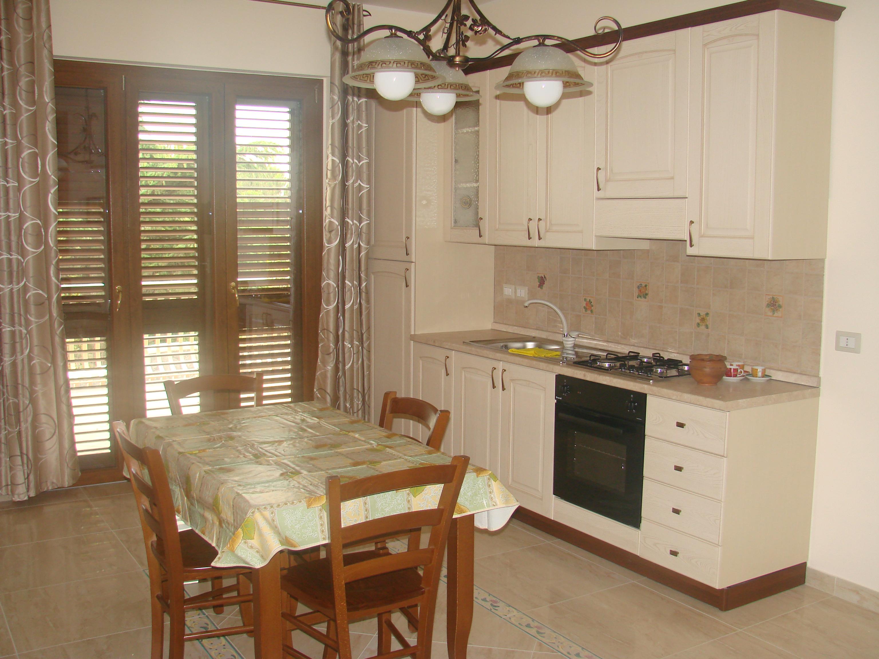 Trecastagni mini appartamenti per brevi periodi caruso for Mini appartamenti arredati